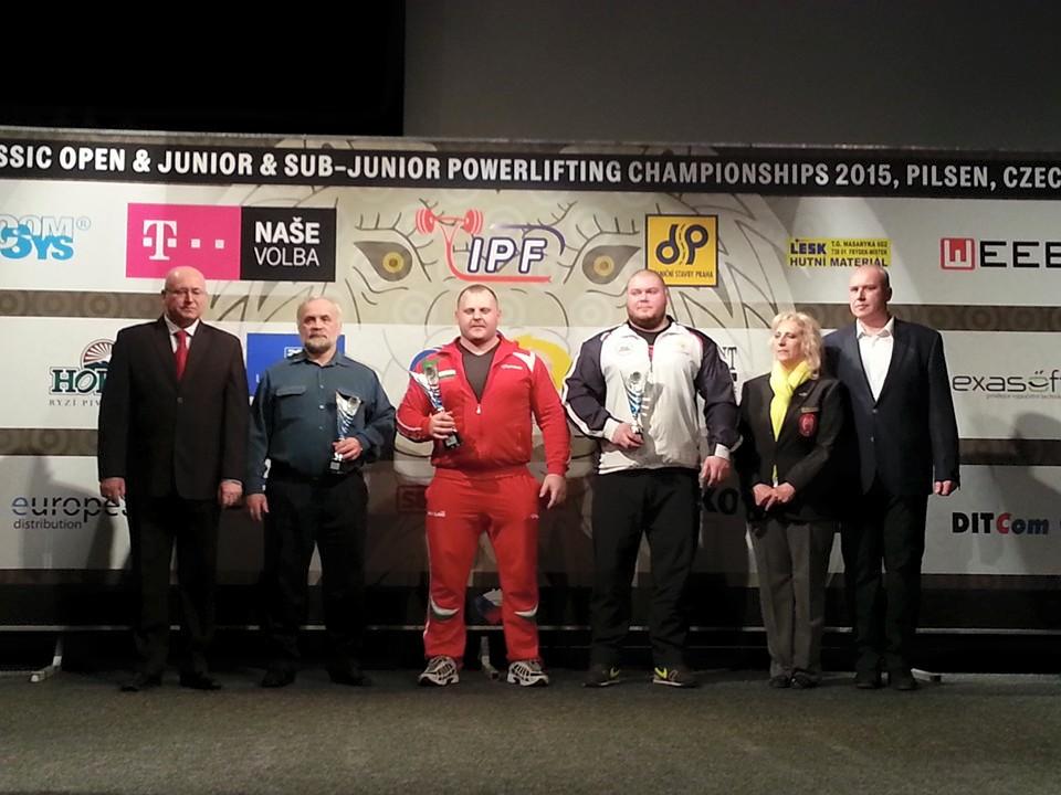 Нашите с абсолютната и три Европейски титли от първото първенство по безекипировъчен трибой!