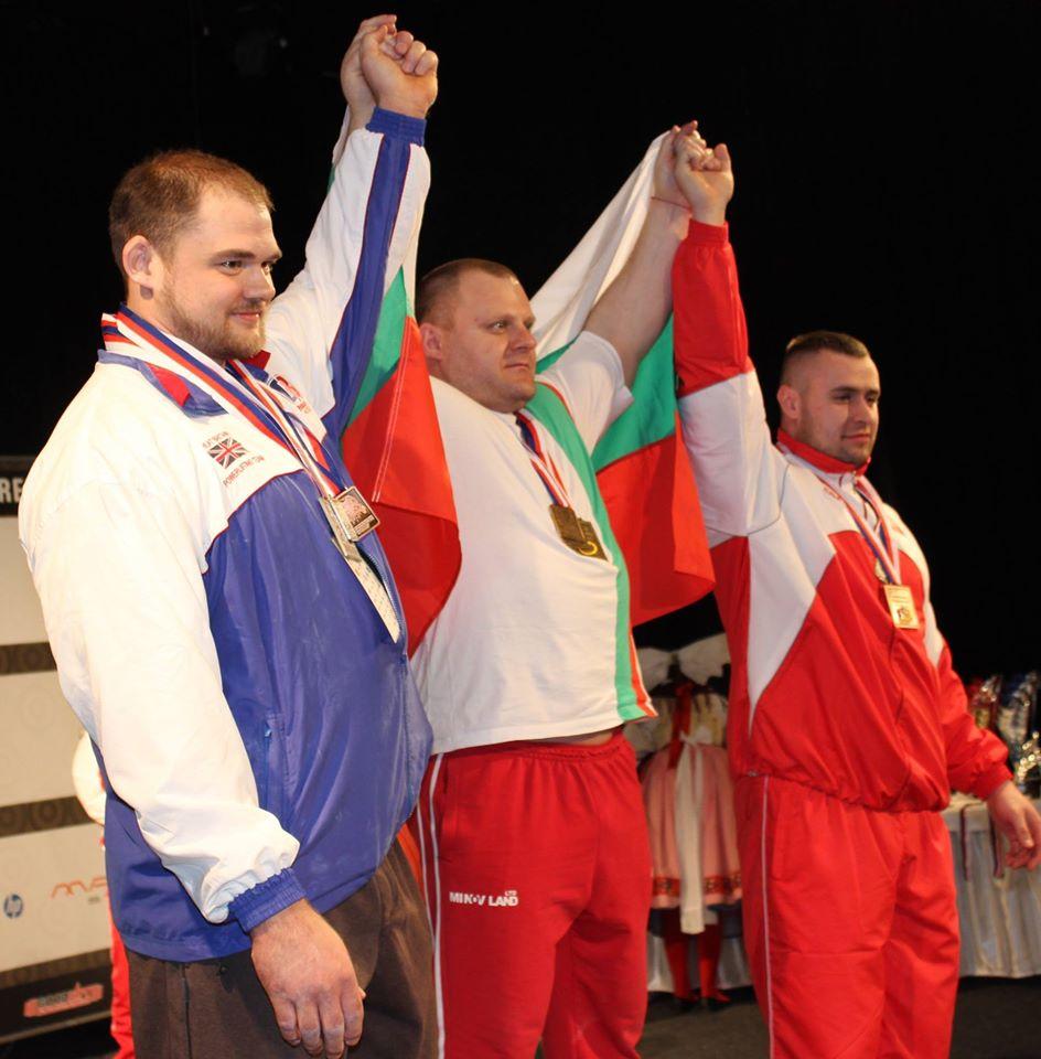 Нашите с Абсолютната и три Европейски титли от първото първенство по безекипировъчен трибой в Пилзен!